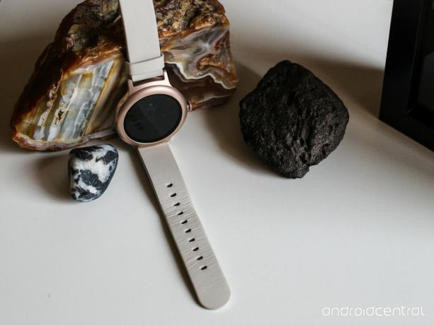 LG Watch Style plus rocks.