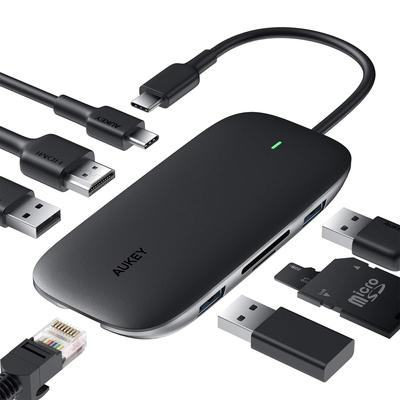 Aukey 8-u-1 hub USB-C adapter